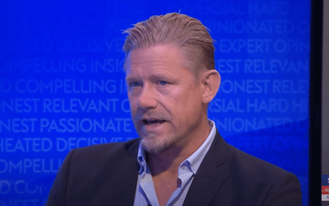 Peter Schmeichel names Manchester United's five 'leaders' after Arsenal defeat   Read more: https://metro.co.uk/2020/11/02/peter-schmeichel-names-manchester-united-five-leaders-arsenal-defeat-premier-league-13519153/?ito=newsnow-feed?ito=cbshare  Twitter: https://twitter.com/MetroUK   Facebook: https://www.facebook.com/MetroUK/ - Bóng Đá