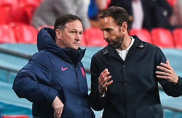 England's secret weapon: No 2 Steve Holland won the lot at Chelsea, got Abramovich's respect by standing up to Mourinho - Bóng Đá
