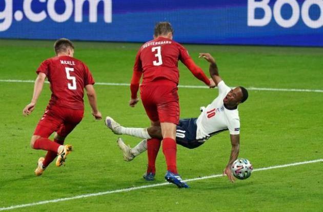 It's scandalous!' – Dietmar Hamann slams England and Raheem Sterling for 'blatant dive' against Denmark - Bóng Đá