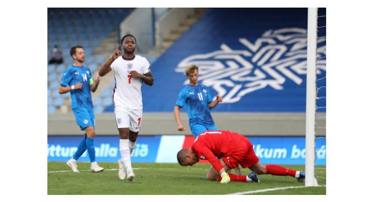 Thần tài Sterling giúp tuyển Anh 'mở bát' thuận lợi - Bóng Đá