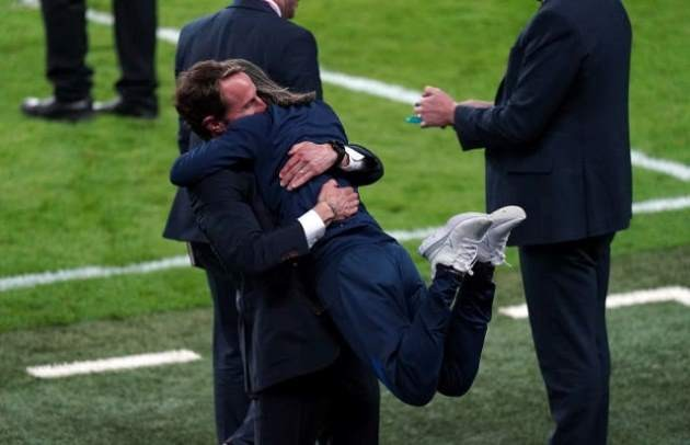 Gary Neville lavishes praise on Gareth Southgate - Bóng Đá