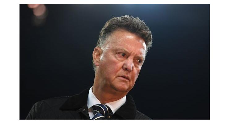 Van Gaal tức điên vì lời 'xúi dại' cho Liverpool - Bóng Đá