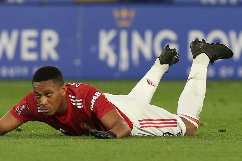 4 cầu thủ nguy cơ bật bãi khỏi Man Utd hè này - Bóng Đá