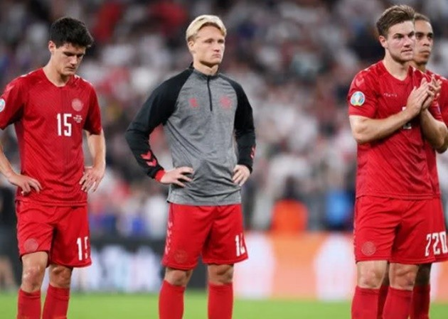 Denmark coach Kasper Hjulmand told a news conference, unable to hide his frustration at the penalty decision - Bóng Đá