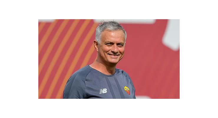 Mourinho nêu tên 8 cầu thủ phải rời Roma