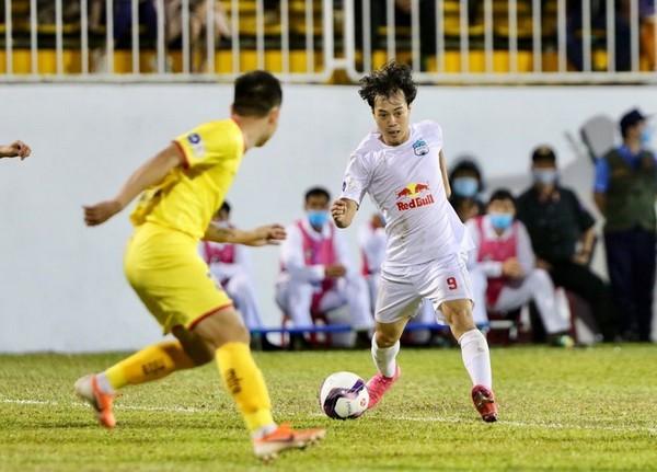 V-League tạm hoãn, thầy Park buồn ít, vui nhiều - Bóng Đá
