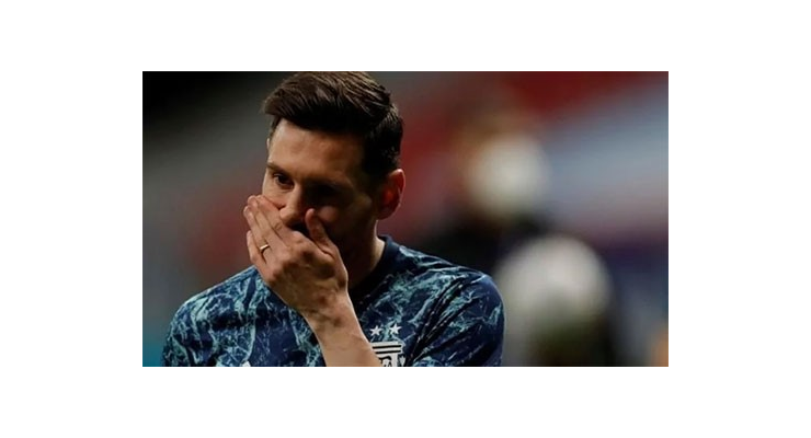 Messi thiệt hại 100.000 euro mỗi ngày