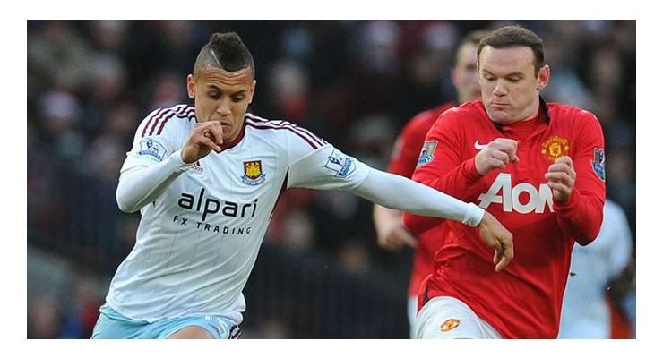 Ravel Morrison (áo trắng) sẽ là học trò của Rooney ở mùa giải tới?