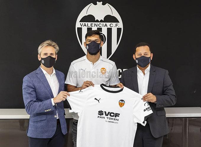 Omar Alderete gia nhập Valencia