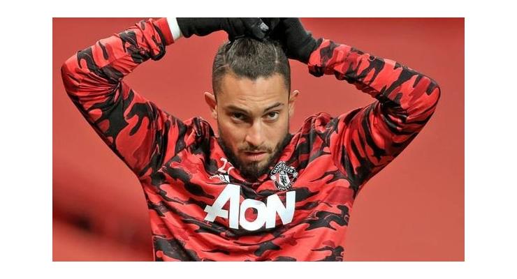 Manchester United star Alex Telles drops hint over summer transfer intentions - Bóng Đá