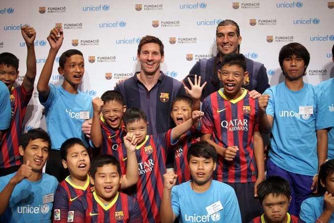 Messi có thể dành 3 năm trong hợp đồng mới với vai trò đại sứ của Barca