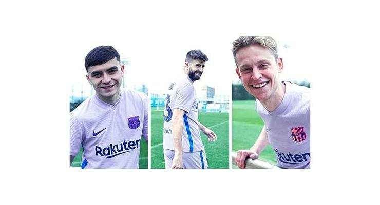Barcelona công bố áo sân khách, không có Griezmann