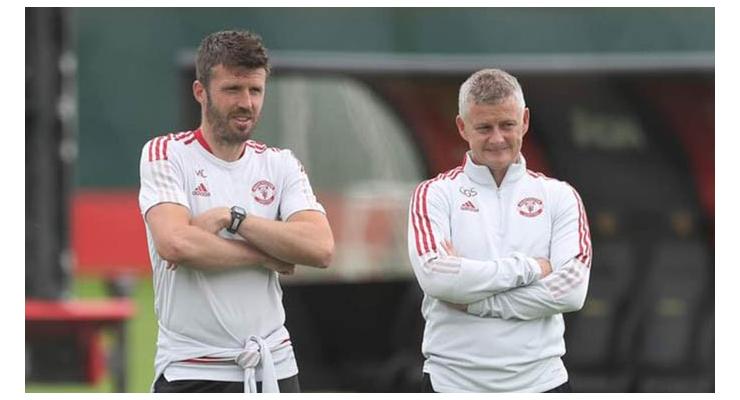 Solskjaer (phải) và Carrick chắc chắn rất muốn Man United thành công hơn ở mùa 2021/22