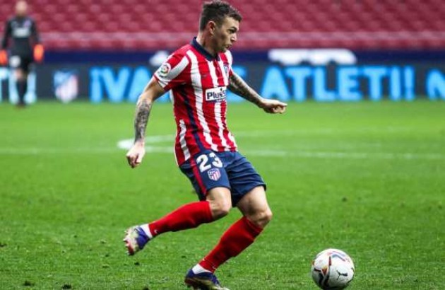 Kieran Trippier is desperate to return to the Premier League this summer, and is waiting to see if Manchester United make a new bid - Bóng Đá