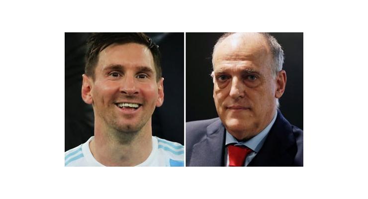 La Liga từ chối giúp Barca đăng ký Messi