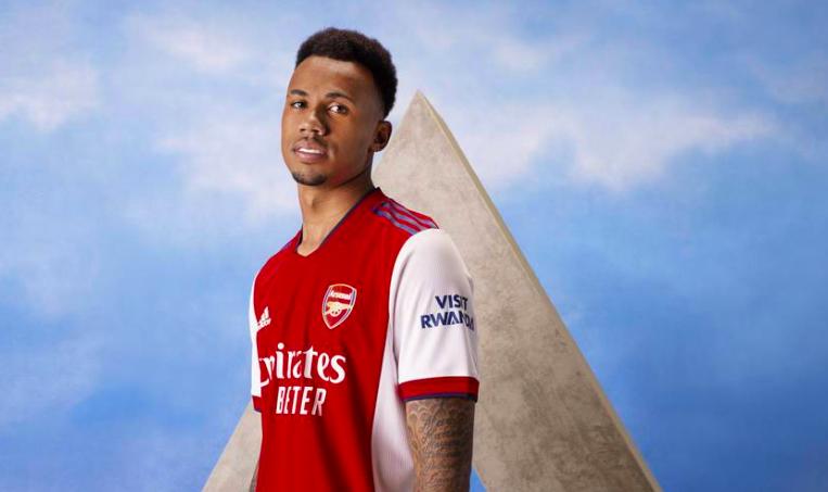 CHÍNH THỨC! Arsenal công bố áo đấu mới tuyệt đẹp - Bóng Đá
