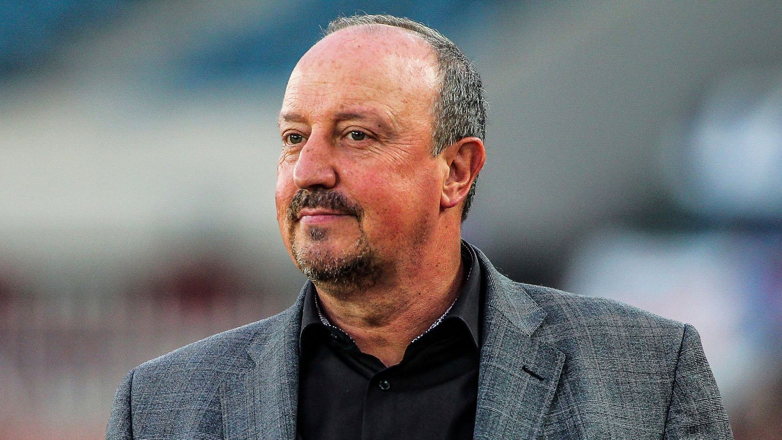 Chê Everton là đội bóng nhỏ, Rafa Benitez giải thích ra sao?  - Bóng Đá
