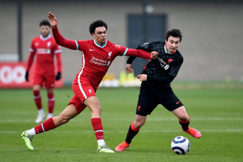''Xâu kim'' Fabinho, Liverpool đang có một Messi mới - Bóng Đá