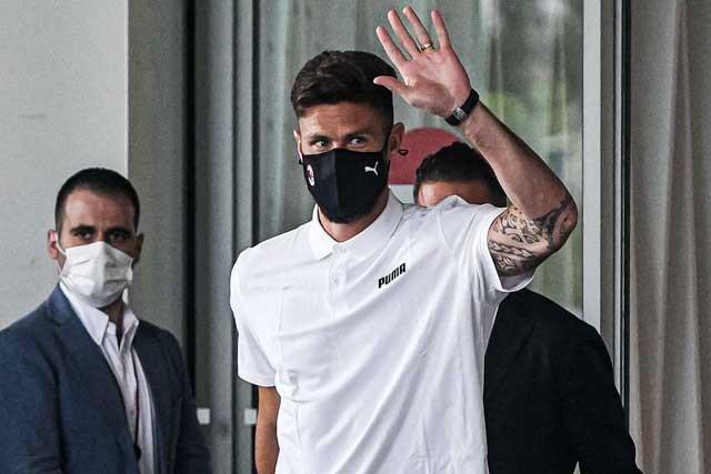 Giroud vừa hoàn tất kiểm tra y tế và sẽ trở lại luyện tập cùng Milan vào 26/7 tới
