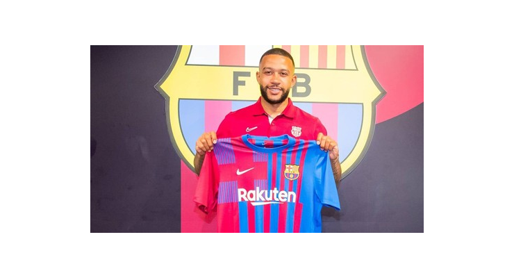 Depay đặt chân đến Barcelona, háo hức ra sân cùng Messi