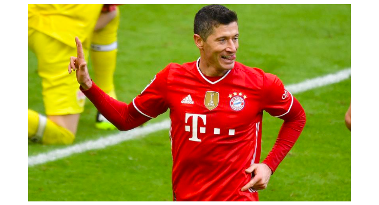 Robert Lewandowski is 'interested' in a move to Chelsea after the Blues held talks with his agent. - Bóng Đá