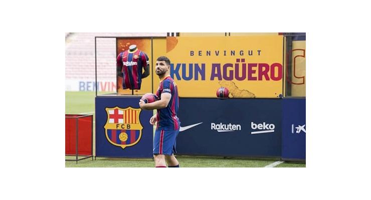 Barca cần có kế hoạch phục hồi đặc biệt cho Aguero